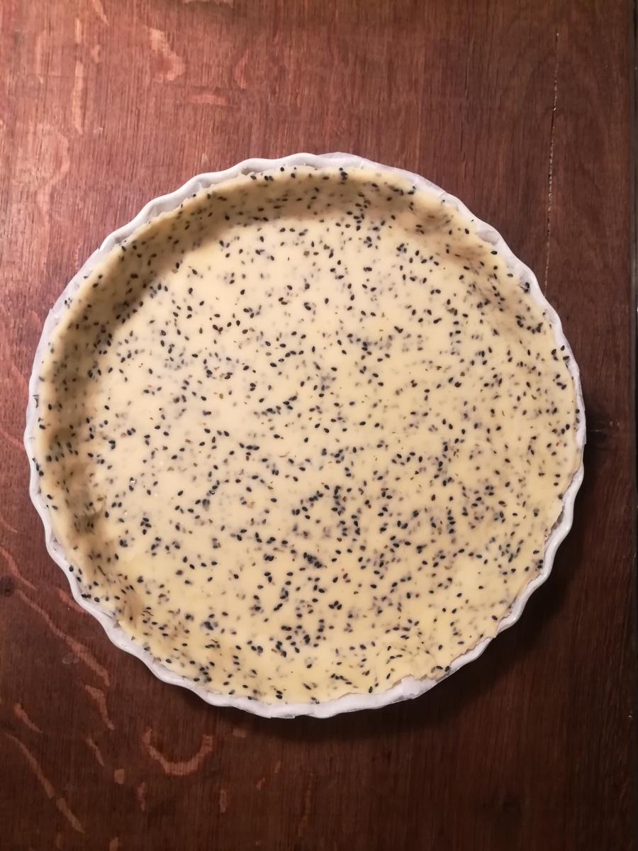 Pâte brisée salée, aux graines de sésame noir - BouffePorn - Recette pas à pas - Compatible régime sans sel