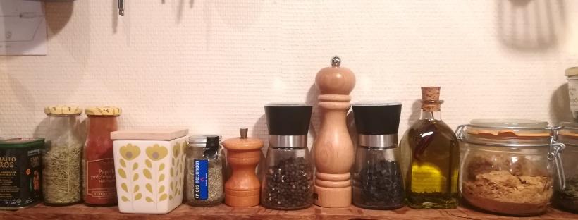Aligement d'épices et de poivre - BouffePorn