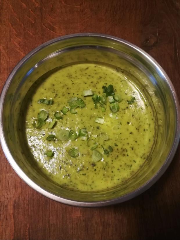 Recette simple Soupe froide de courgettes à la coriande - BouffePorn