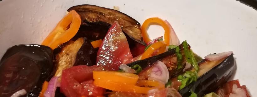 Recette de Salade d'aubergines rôties à la Ottolenghi - BouffePorn