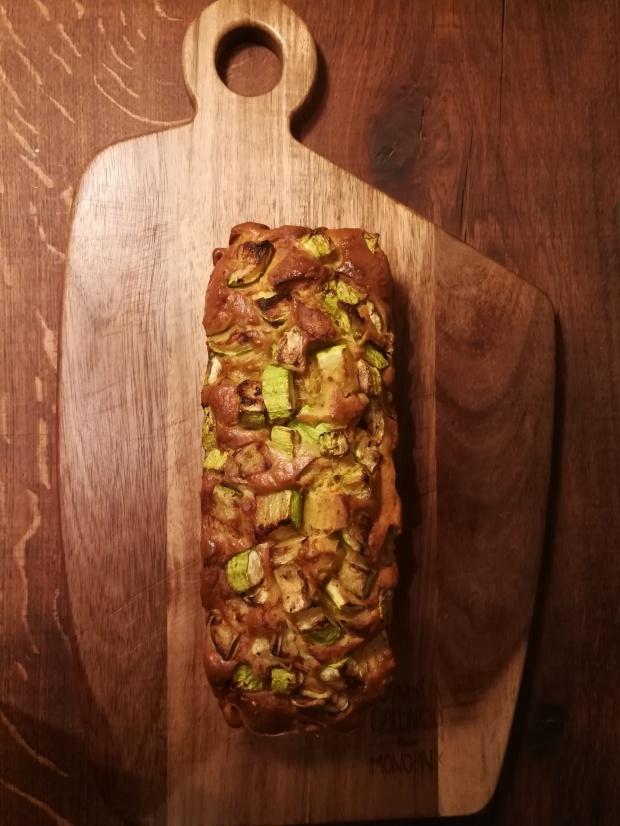 Recette hyposodé Cake courgette, pesto, cheddar par BouffePorn